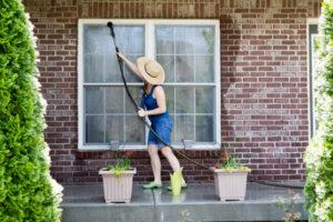 Comment nettoyer des vitres - Idéal Volet